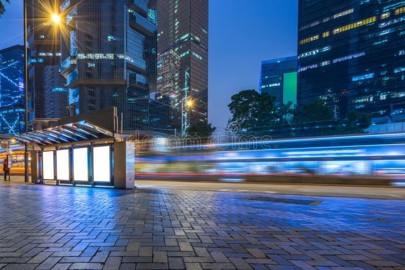 i stadens centrum Hong Kong trafik royaltyfri foto