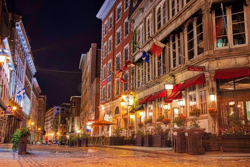 I stadens centrum Montreal historiskt område, lång exponering för natt royaltyfri bild