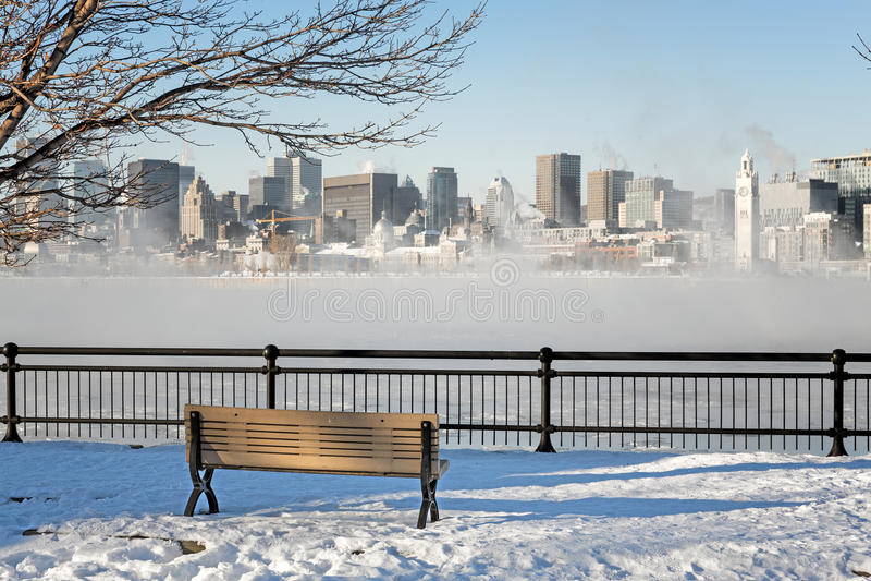 I stadens centrum Montreal i vinter royaltyfri foto