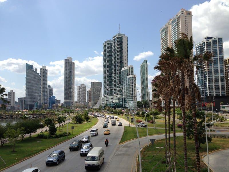I stadens centrum Panama City horisont royaltyfri fotografi