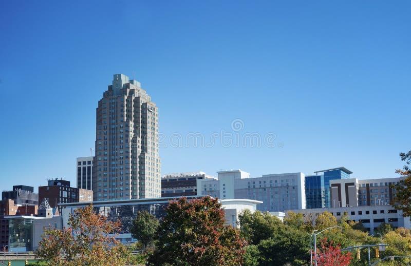 I stadens centrum Raleigh i höst arkivbild