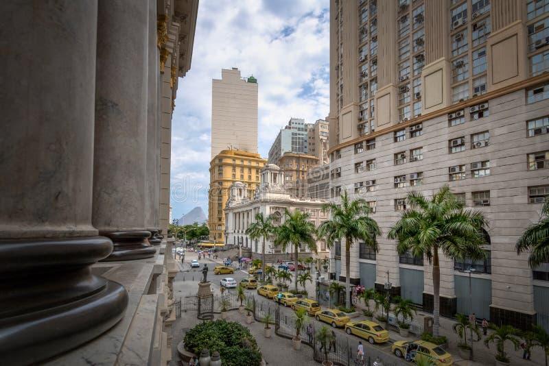I stadens centrum Rio de Janeiro sikt från Rio de Janeiro Municipal Theatre - Rio de Janeiro, Brasilien arkivfoto