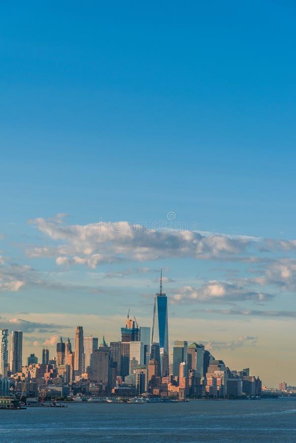I stadens centrum sikt av Manhattan fotografering för bildbyråer