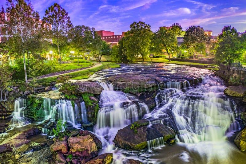 I stadens centrum vattenfall i Greenville South Carolina SC arkivbilder