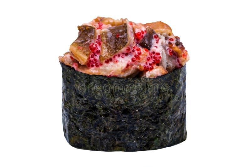 I sushi con l'anguilla ed il caviale in nori coprono di foglie isolato sul backgro bianco fotografie stock