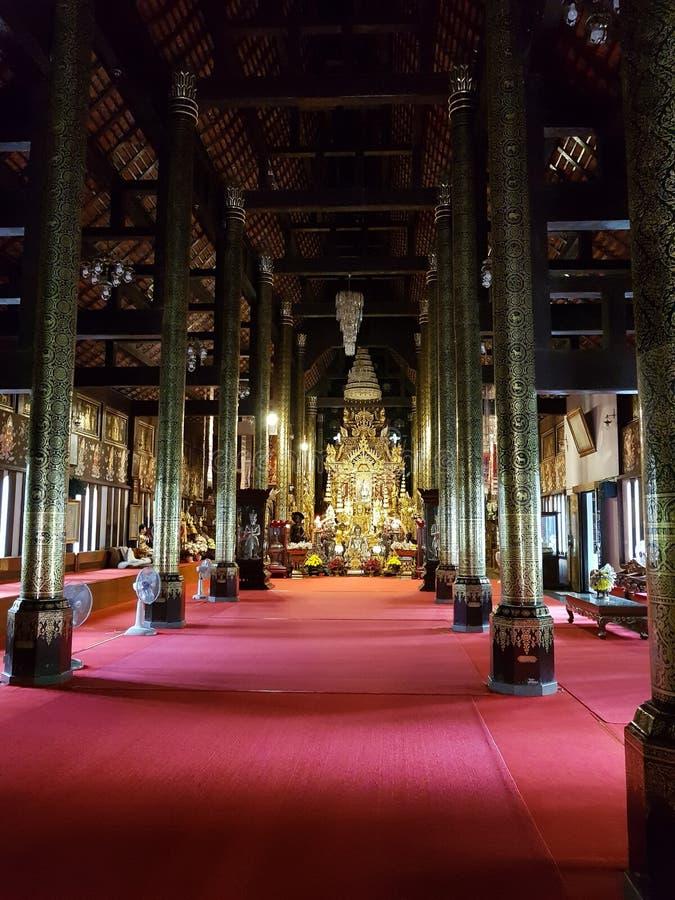 i templet royaltyfri foto