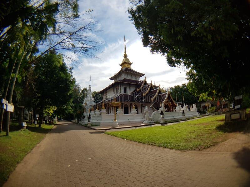 i templet 3 arkivbild