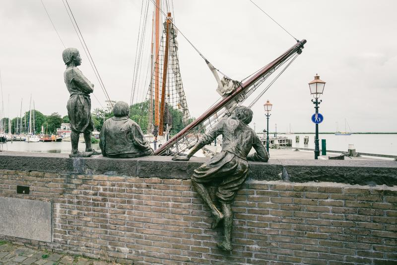 I tre ragazzi di cabina di capitano Bontekoe nel porto di Hoorn nei Paesi Bassi fotografia stock