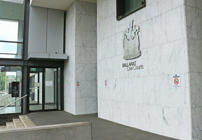 I tribunali $30 milioni di Ballarat che costruiscono (2000), costruiti sul sito di precedenti officine del gas, integra un commis immagine stock libera da diritti