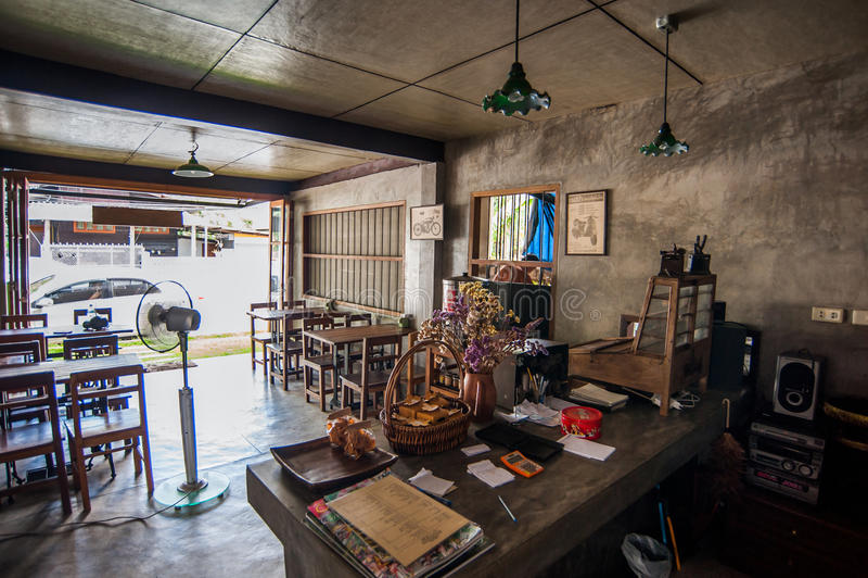 I utomhus- thailändsk restaurang fotografering för bildbyråer