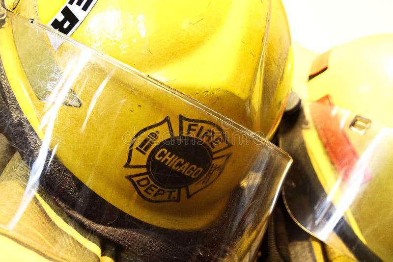 I vestiti del vigile del fuoco dal motore 17 del corpo dei vigili del fuoco di Chicago fotografia stock libera da diritti
