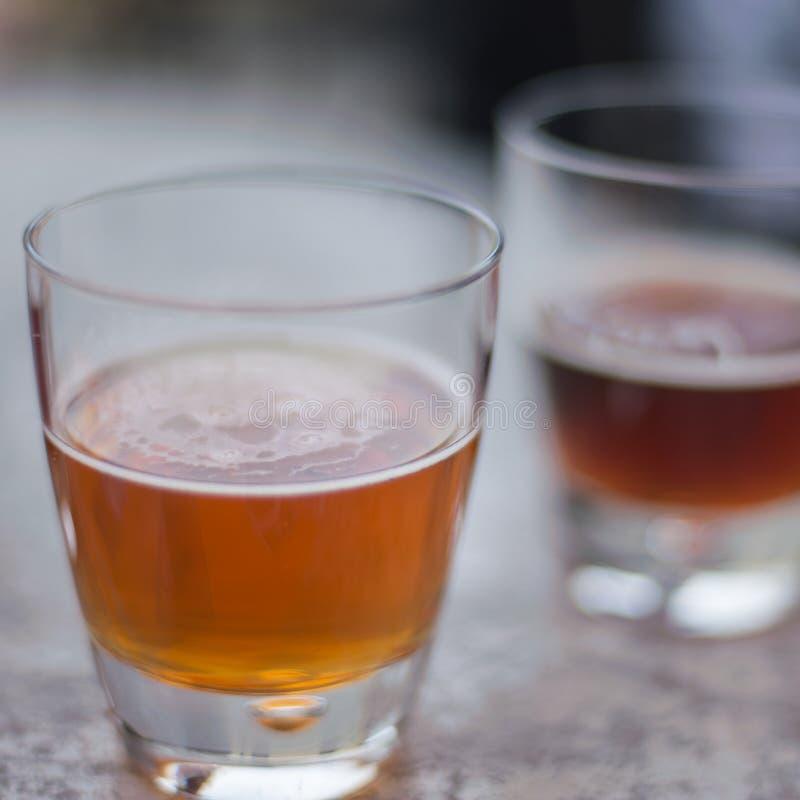 I voli della birra sono le norme alle fabbriche di birra immagini stock libere da diritti
