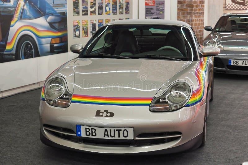 68 IAA Frankfurt 2019 - bb Porsche Porsche 996 Cabriolet Rainbow imagen de archivo