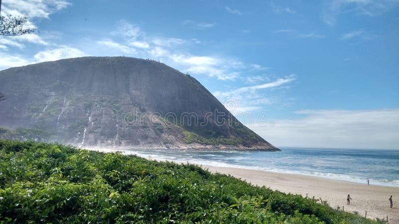 Iacoatiarastrand - Niteroi - Rio de Janeiro - BRAZILIË royalty-vrije stock foto's