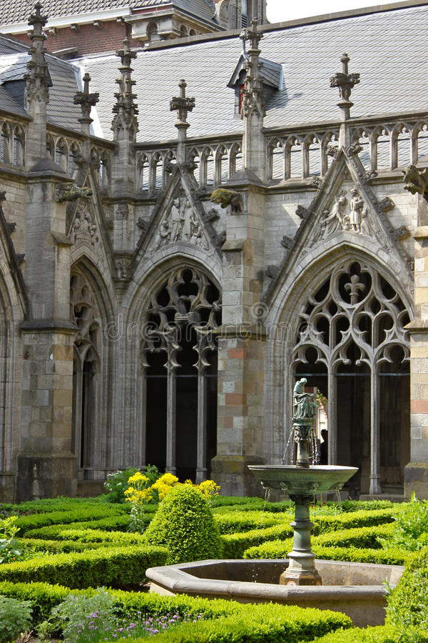Iarda della cattedrale a Utrecht fotografie stock