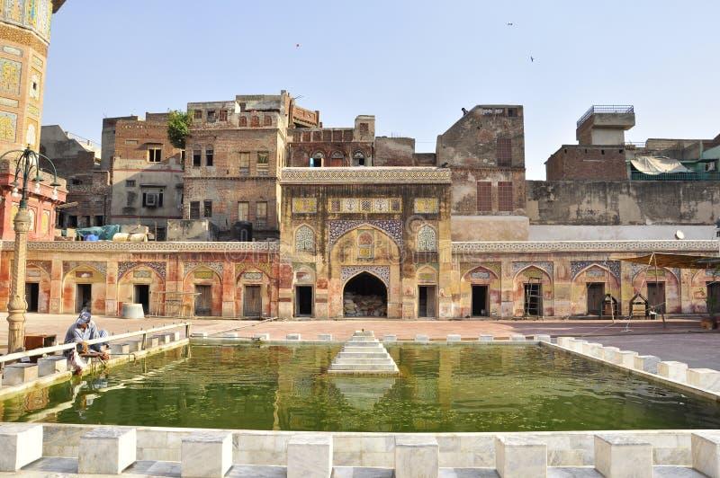 Iarda della corte di Wazir Khan Mosque Lahore, Pakistan immagini stock libere da diritti