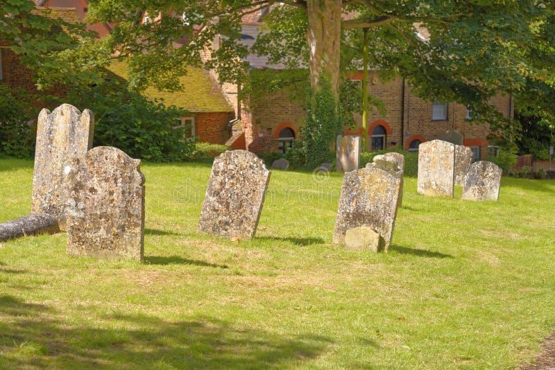 Iarda della tomba della chiesa immagine stock