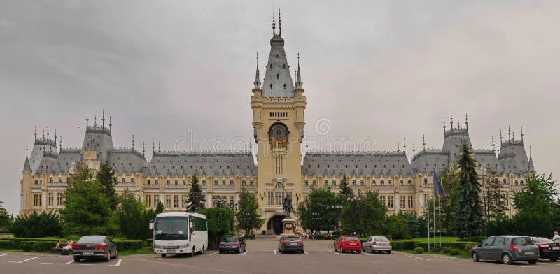 从Iasi,罗马尼亚的劳动人民文化宫 库存照片