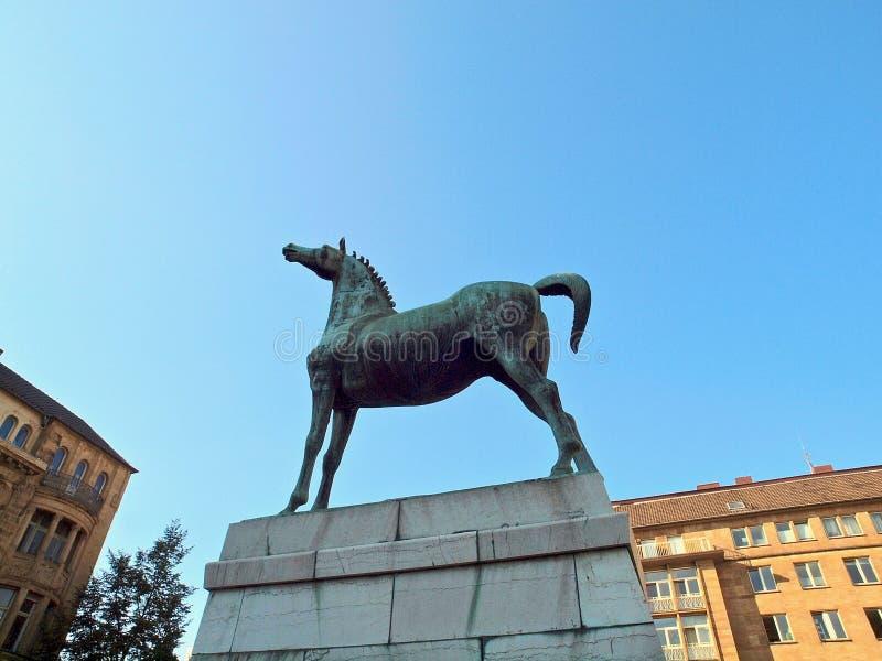 Iat de sculpture en cheval l'opéra à Aix-la-Chapelle en Allemagne photo stock