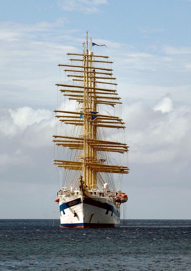 Download Iate foto de stock. Imagem de sailing, índias, água, oceano - 113526