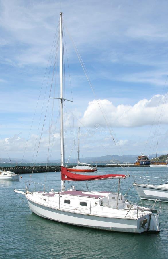 Download Iate foto de stock. Imagem de mastro, barco, céu, nuvem - 62980