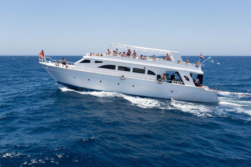 Iate de prazer no Mar Vermelho imagem de stock royalty free