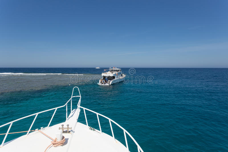 Iate de prazer no Mar Vermelho fotografia de stock