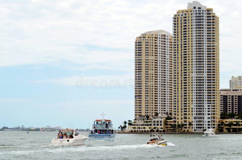 Iate luxuoso em Miami, Florida imagem de stock