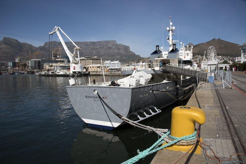 Iate luxuoso uma vez uma embarcação Cape Town da pesca fotos de stock