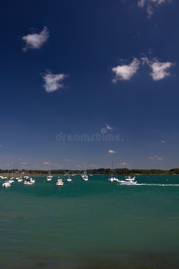 Iate no golfe de Morbihan imagem de stock