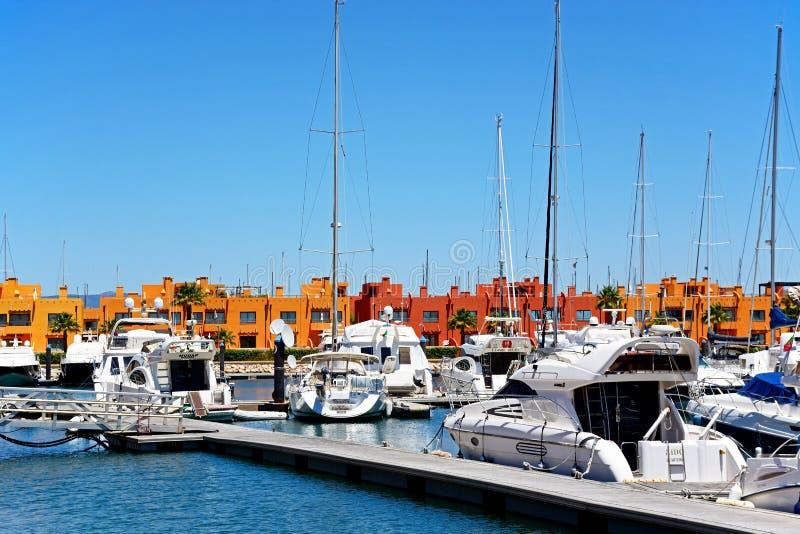 Iate no porto de Portimao, Portugal imagem de stock