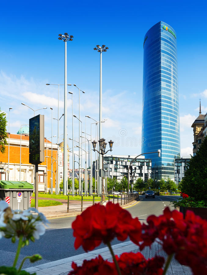Iberdrola torn i Bilbao royaltyfria bilder