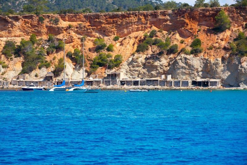 Ibiza Cala从小船的dHort d霍特视图在拜雷阿尔斯 免版税库存照片