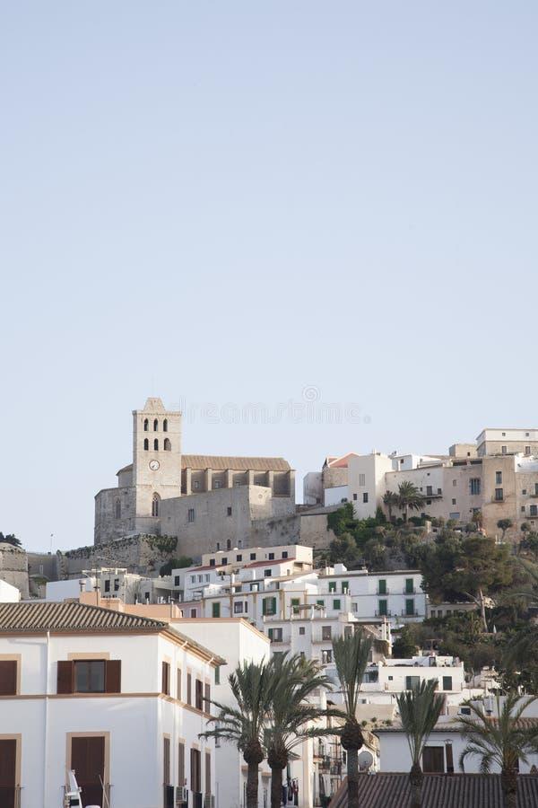 Ibiza domkyrka och stad royaltyfri fotografi