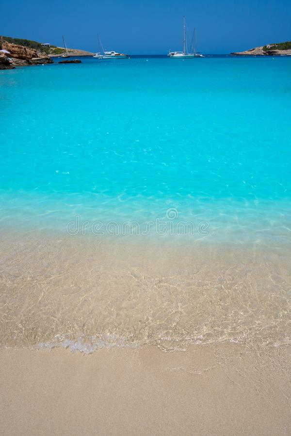 Ibiza Portinatx Arenal Petit strand i Balearics arkivfoto