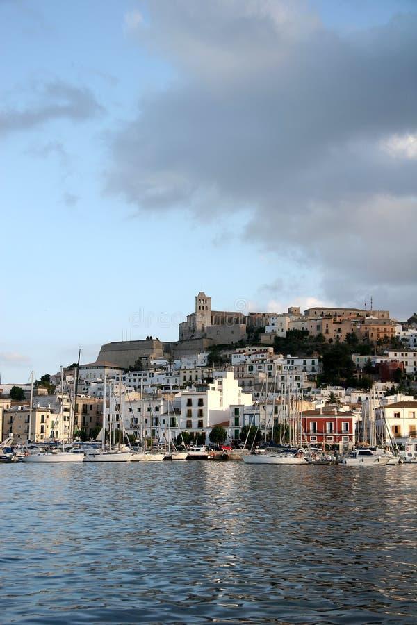 Ibiza Stadt lizenzfreie stockfotografie