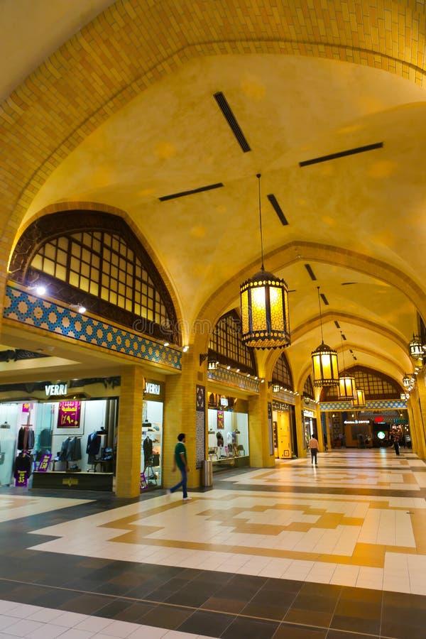 Download Ibn Battuta-winkelcomplex In Doubai Redactionele Fotografie - Afbeelding bestaande uit kleinhandels, luxe: 107706857