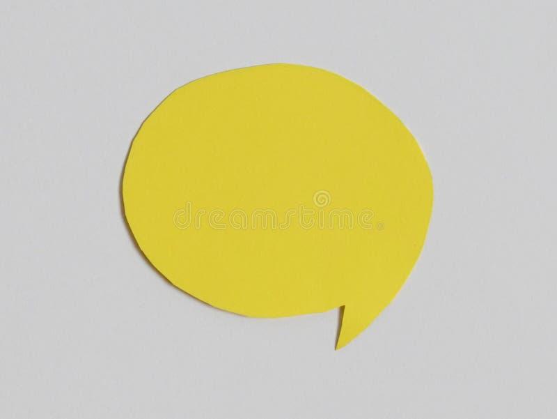 Icône jaune de la parole de causerie : un symbole et un concept pour parler et message photos libres de droits