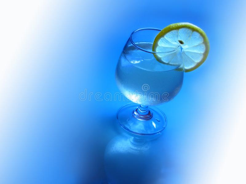 Ice lemon cocktail royalty free stock photography