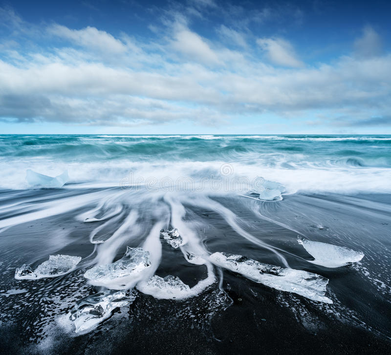 Free Ice On The Beach With Black Sand In Iceland Stock Photo - 93503200