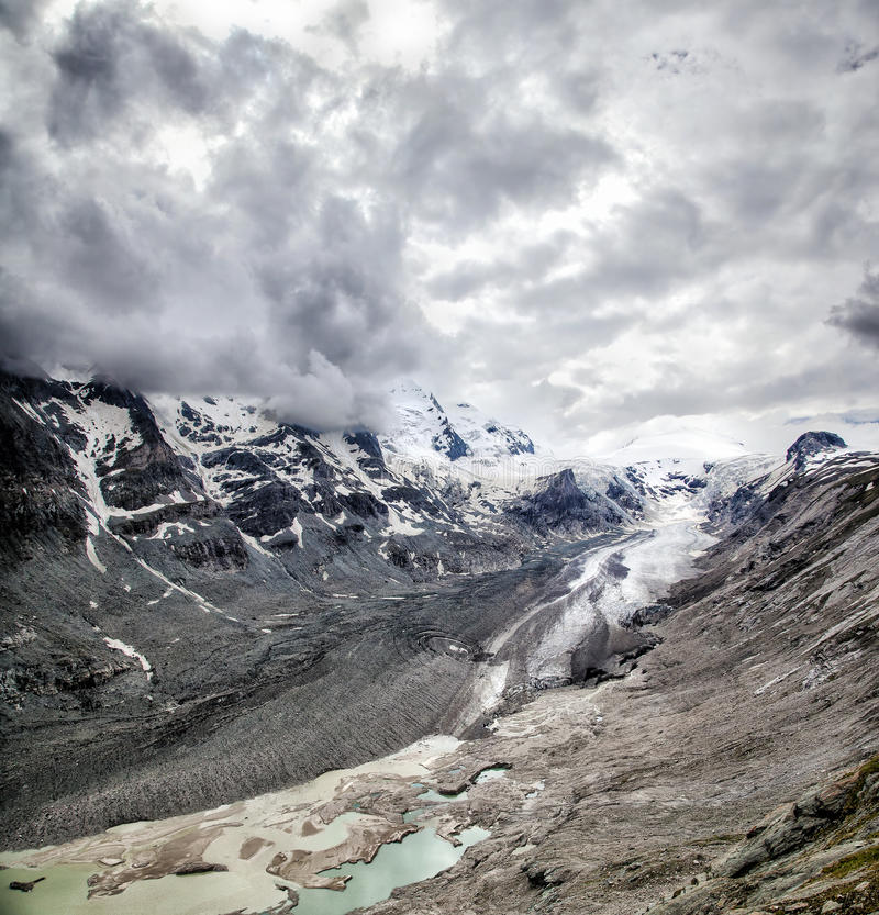 Ice Valley. Wide view of the Pasterze Glacier, Grossglockner, Austria stock photography
