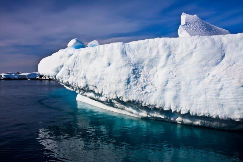 Iceberg énorme en Antarctique photo libre de droits
