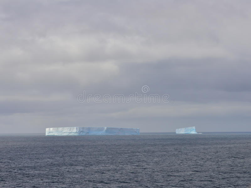 Iceberg énorme en Antarctique photos stock