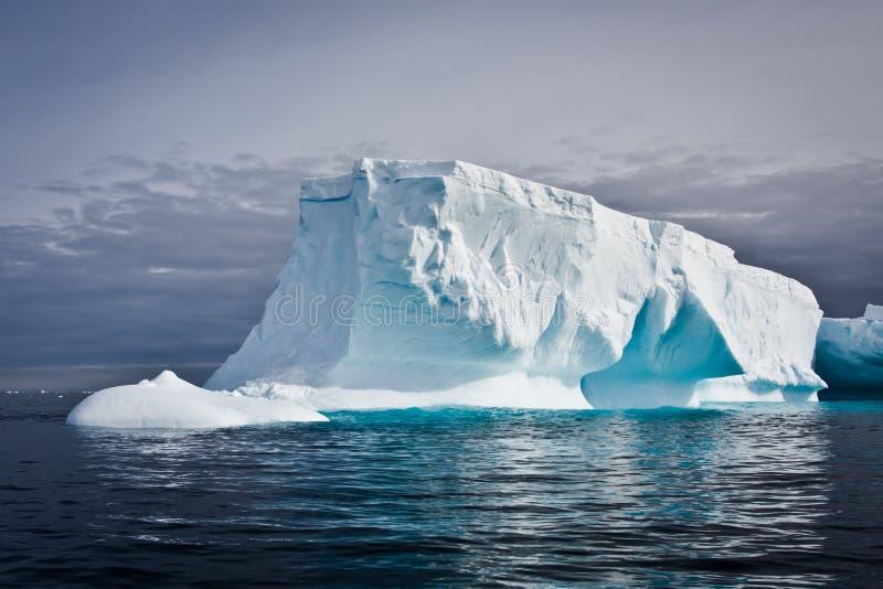 Iceberg antárctico imagem de stock royalty free
