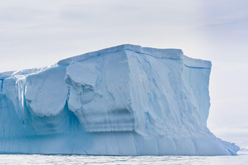 Iceberg antarctique photographie stock libre de droits