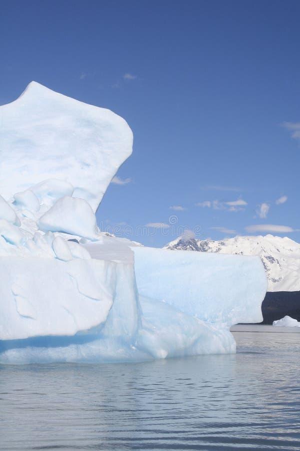 Iceberg ao lado da geleira de Upsala, Patagonia, Argentina imagens de stock royalty free