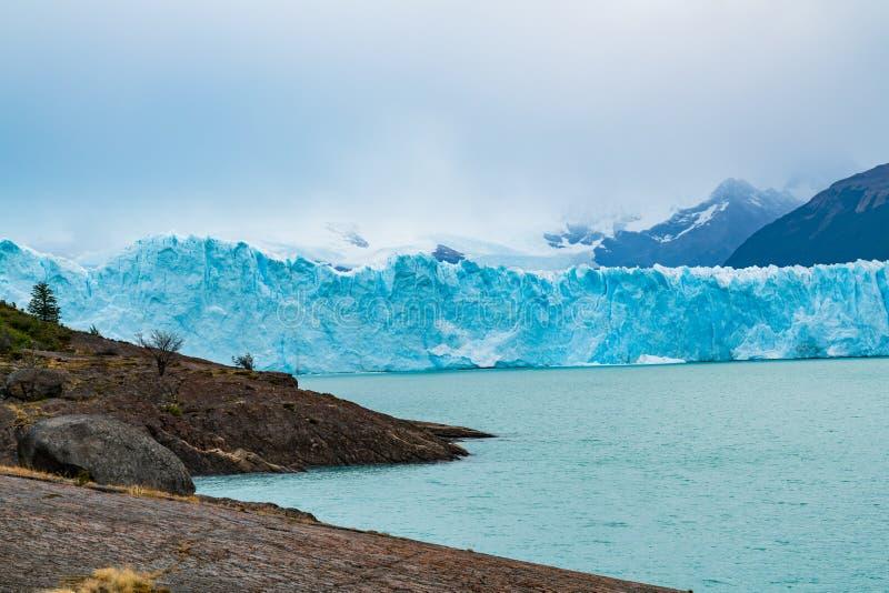 Iceberg azul de Perito Moreno Glacier y lago argentina imagen de archivo libre de regalías