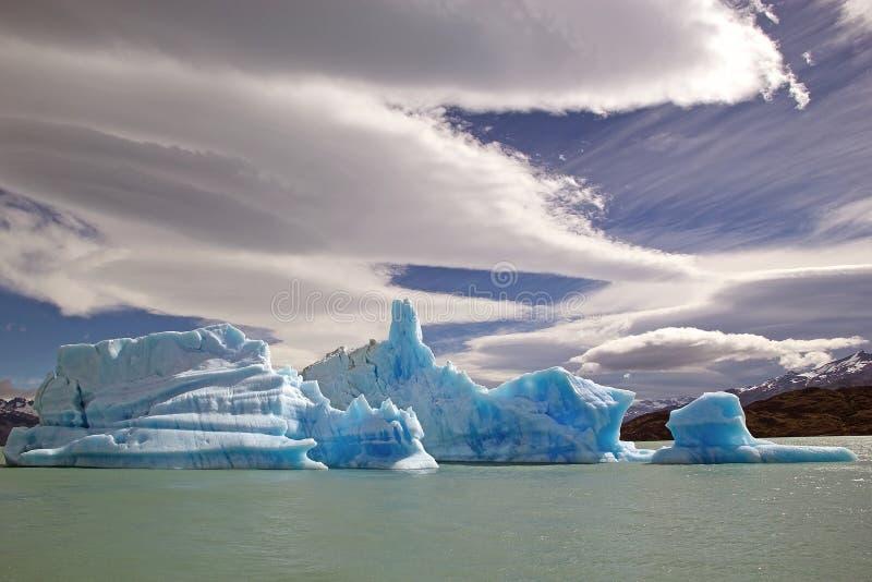 Iceberg da geleira em Argentino Lake, Argentina de Upsala imagens de stock