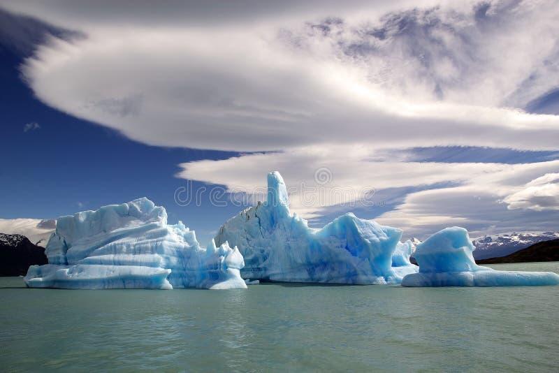 Iceberg da geleira em Argentino Lake, Argentina de Upsala fotografia de stock royalty free
