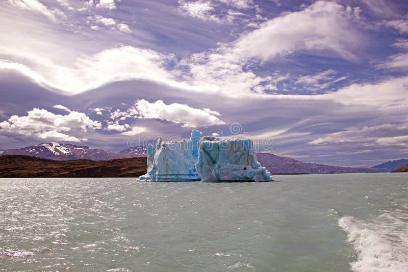 Iceberg da geleira em Argentino Lake, Argentina de Upsala imagem de stock royalty free